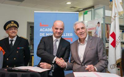 Le ministre de l'éducation nationale et le président national de La Croix-Rouge à Nîmes