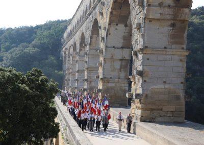 Passage des Portes Drapeaux sur le Pont du Gard